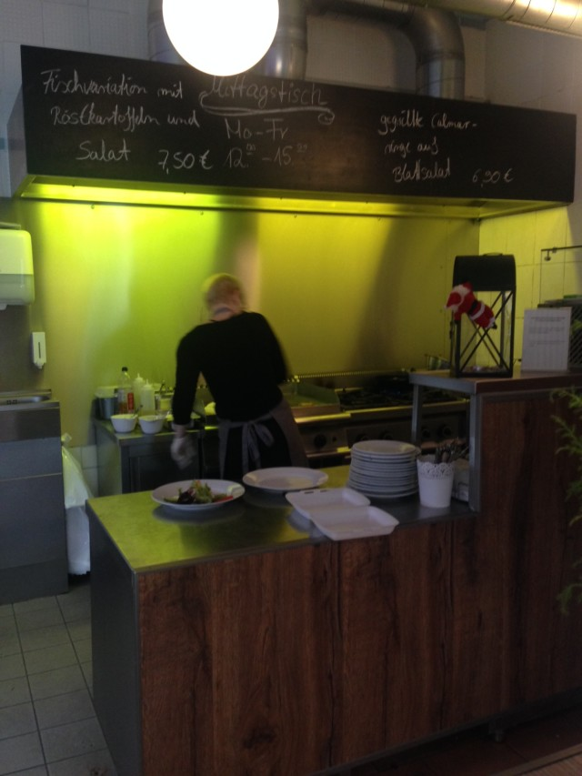fiskehandler med indbygget køkken