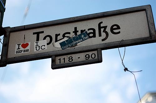 torstrasse-signs-13